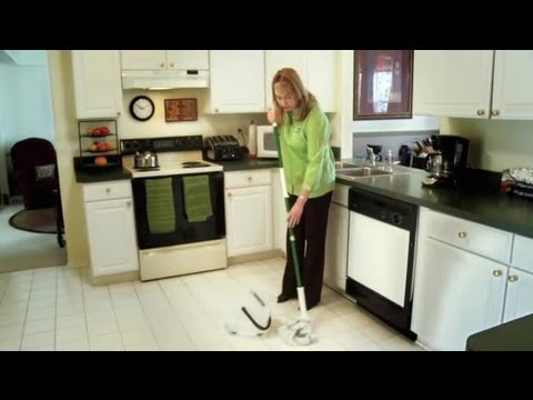How to Make Your Kitchen Floor Smell Clean : Cleaning the Kitchen