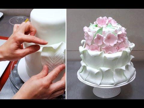 Simple Fondant Cake Decorating Tutorial Decorar con Fondant by Cakes StepbyStep.