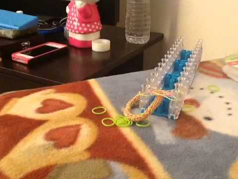 How to make a chevron rubber band bracelet