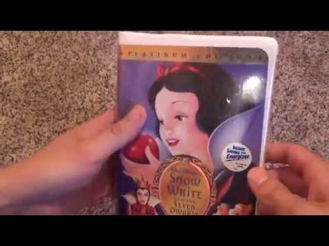 Snow White and the Seven Dwarfs Platinum Edition Disney VHS Tape Unboxing Grumpy Sneezy Dopey