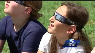 Metro students use Great Eclipse almost like science experiment