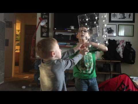 Logan teaches arm pit FARTS 💨