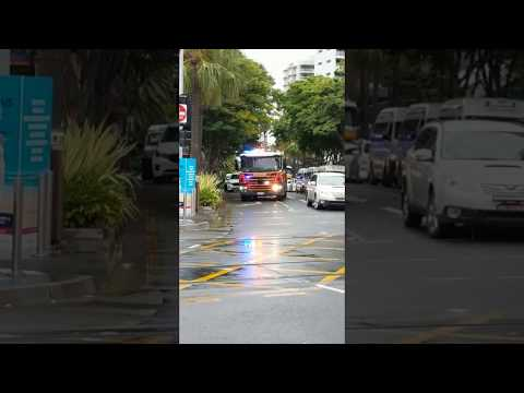 RUMBLER SIREN! Surfers Paradise Fire and Rescue Responding