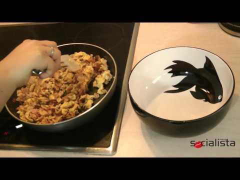 Σουφλεδάκια   Egg and Bacon Turnovers