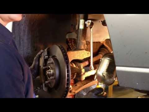 Ford Focus Front Suspension Rattle Noise: Stabilizer Link Replacement