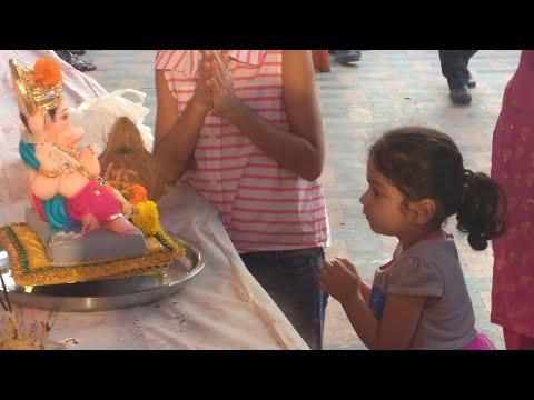 Ganesh Visarjan By A Cute Little Girl | Eco-friendly | Artificial pond | Mumbai