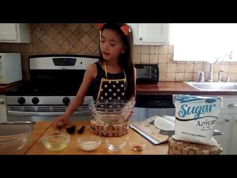 Kid Baker - Childcraft Fondant - 5 ingredients (no marshmallow, no gelatin) RECIPE - Video 1