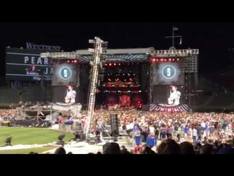 Pearl Jam- Eddie Talking During A Encore- Wrigley