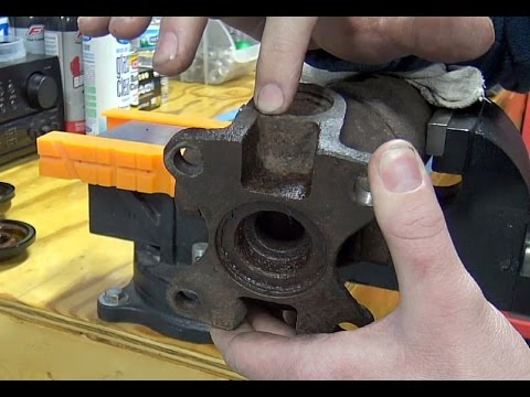 Ford Quick Tips #56: The Most Accurate Way to Check Driveshaft U-joints