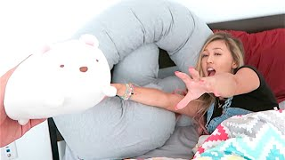 Download SHE LOVES HER PREGNANCY PiLLOW! Video
