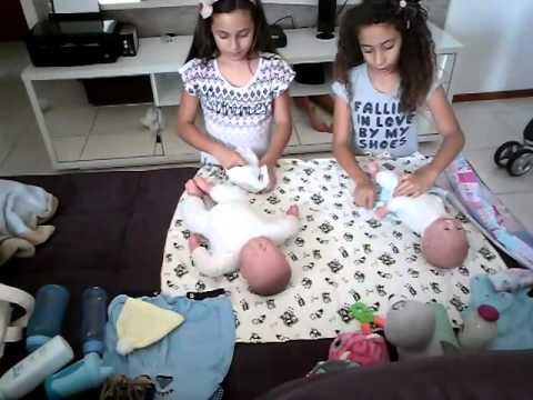 Trocando os bebês