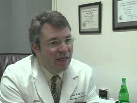 Dr. Kevin Ault discusses common symptoms of the HPV infection in both men and women