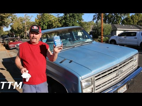 Removing Paint Oxidation on my 87 Chevy Pickup Truck with TR-3 Automobile Cleaner and Polish