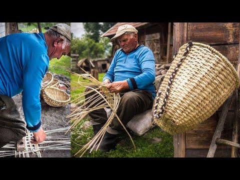Weaving Hazel Frame Baskets