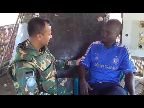 আফ্রিকান ছেলেটা কি সুন্দর বাংলা বলতে পারে -African Man speaking Fluent bangla with Bangladeshi Army