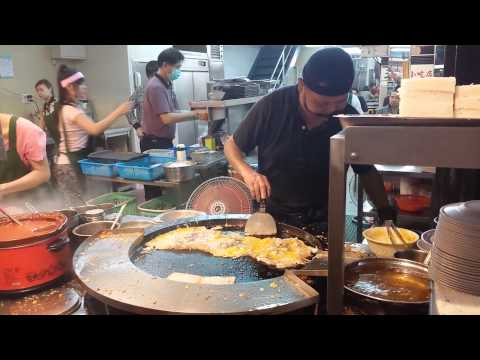 Famous Oyster Omelet at Ximending, Taipei, Taiwan.