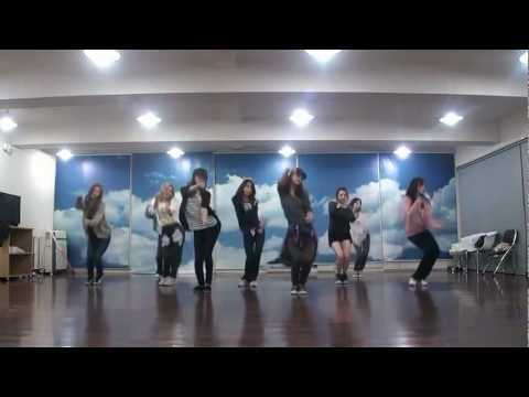 SNSD - Mr. Taxi & The Boys Dance sm practice room Oct.2011 GIRLS' GENERATION