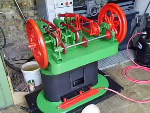 Homemade 3 cylider  hot air engine Robinson sterling