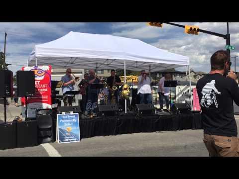 The Alberta Big Rocks Band performing