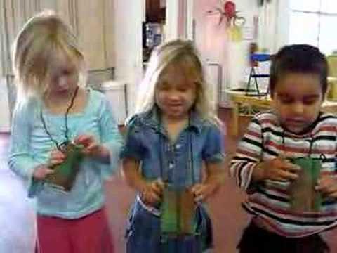 www.MsCharme.com Earth Day Teacher Tips Toilet Paper Binoculars