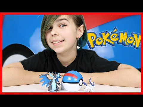 Pokemon XY Absol and Charizard Toy Figure and Poke Ball Review