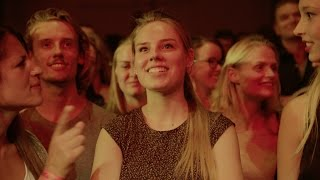 Vera - who has been deaf since birth, but thanks to her CI can hear sounds again - has experienced her very #FirstConcert as part of the Vodafone Firsts program. This special First Concert was optimized for her hearing and performed by The Kyteman Orchestra in Paradiso, Amsterdam.   Find out more about Vera
