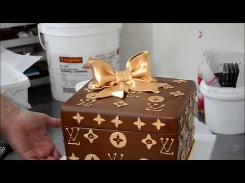 How to design a custom Louis Vuitton box cake