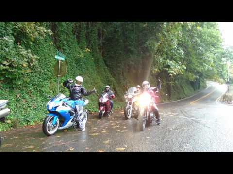 Portland MotorCycle Group Rides. Riding in the Rain to the 2 Stroke Cafe.