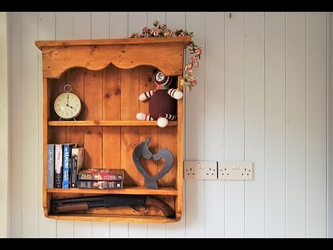 Pallet Furniture Wood Projects - Country Wall Shelf