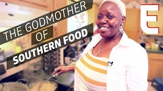 Paula Deen S Ex Chef Dora Charles Cooks The Southern Classics