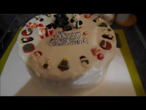 Christmas Cake Part 4 Icing and Decorating