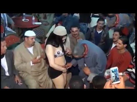 Xxx Mp4 راقصة شرشر شبه عارية تمسك إيد الراجل وتخليه يحسس على الكوكو 3gp Sex