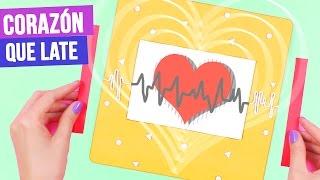 ¿Me ayudas a llegar a 50,000 likes?   DESCARGA la tarjeta de aquí: http://bit.ly/2cWBueu   Hola Crafters! hoy haremos una tarjeta animada de un corazón que late, es un efecto muy padre, de esas ideas originales para regalos para mi novio.   Pueden intentar hacer el diseño en ilustrador pero para los que no saben usarlo o no lo tienen en su computadora les comparto en el blog el descargable de esta tarjeta de amor: http://bit.ly/2cWBueu   Mándenme fotos de sus tarjetas usando #Craftingeek   VE TODOS LOS VIDEOS DE LA SEMANA CRAFTY:  Idea 1: http://bit.ly/2cyVTKl Idea 2: http://bit.ly/2cW1mXX Idea 3: http://bit.ly/2dlPZIH Idea 4: Este video   · SUSCRIBETE GRATIS: http://bit.ly/PonteCrafty · DESCARGABLES:  http://craftingeek.me   ♥ ✄ ✏ TIENDA http://www.holadiy.com   ♢ SNAPCHAT craftingeekliz ♡ FACEBOOK http://www.facebook.com/craftingeek ♢ TWITTER http://www.twitter.com/craftingeek ♡ INSTAGRAM http://instagram.com/craftingeek ♢ PINTEREST http://bit.ly/CGurlP