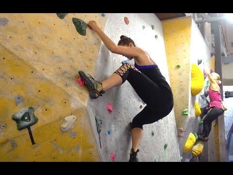 🎅🏻  Rock Climbing + Vegan Grocery Haul In Sweden! | Vlogmas Day 15