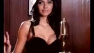 H0t scene from the movie Jawani diwani Emraan Hashmi and Sherlyn Chopra