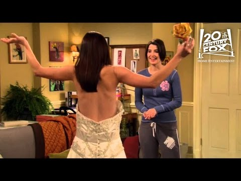 How I Met Your Mother - Lily's Wedding Dress | FOX Home Entertainment