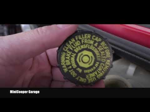 Mini Cooper Brake Clutch Fluid Inspection