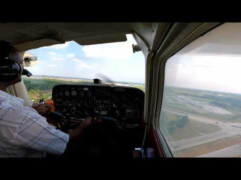 Cessna 172 crosswind landing.