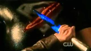Smallville Lois Saves Clark-10x1