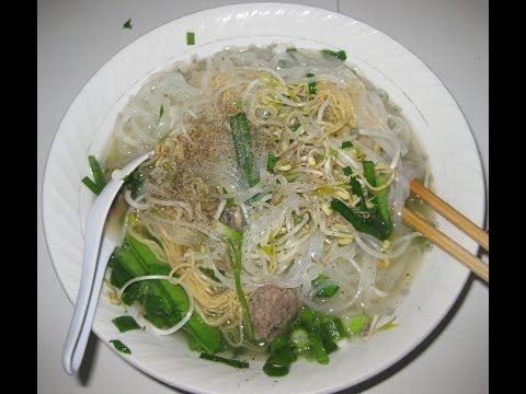 Express Noodle Soup (HU TIEU MI) - egg noodle, rice noodle sticks