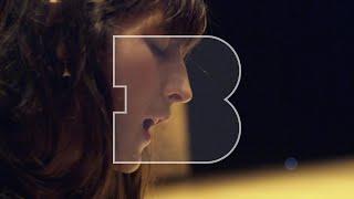 Juliette Armanet - L'Amour en Solitaire & Sous la Pluie | A Take Away Show