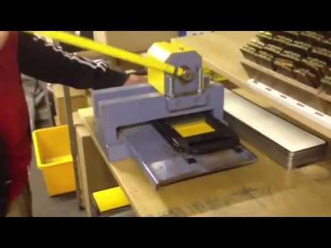 Aluminium Metal Pressed Car UK Number Licence Reg Plate Machine Press System