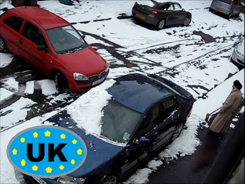 UK Cars on SNOW & ICE compilation !! 2015, skid slide crash etc