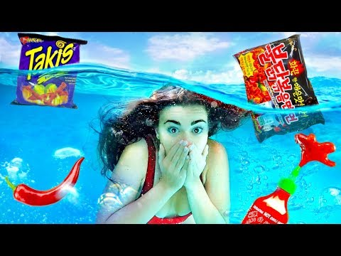 Trying SPICY FOOD Underwater Challenge! (Extreme)