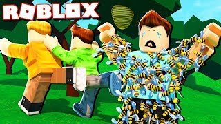 Roblox Adventures - ATTACKED BY A BEE SWARM IN ROBLOX! (Bee Swarm Simulator)