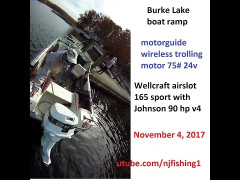 Burke Lake boating and fishing - return to the floating dock by the boat ramp
