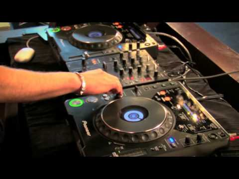 How to DJ Free Video Tutorial 2013 - Beatmatching Perfectly   DJ Master Course