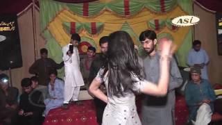 Noor Malik latest mujra 2017 way phar meri banh mahiya