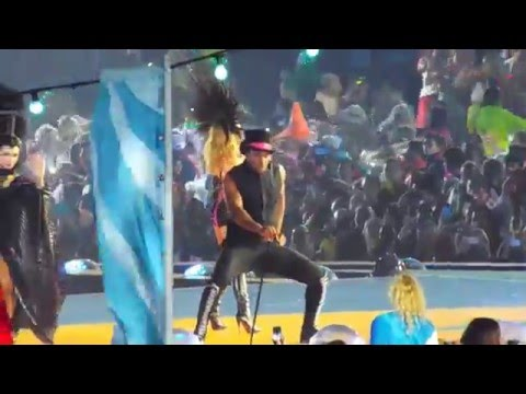Kylie Minogue performs Into The Blue at the Glasgow 2014 Commonwealth Games