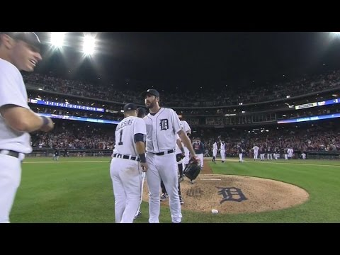 8/26/15: Verlander throws one-hitter to lift Tigers